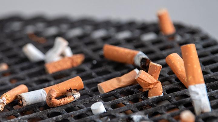 В ответе за всё: Родителей курящих детей хотят штрафовать