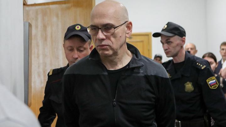 Компромат ФСБ собирает годами: Почему чиновников «берут», когда уже украдены миллиарды