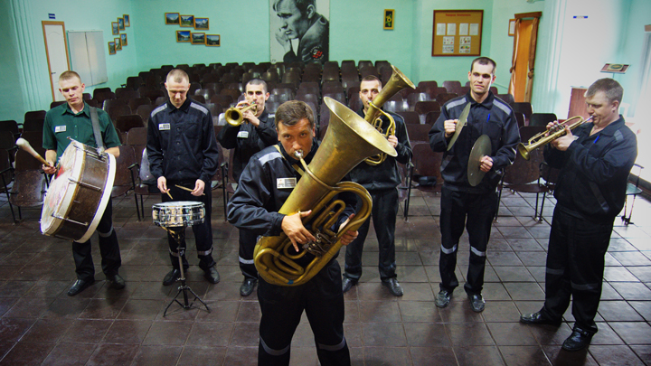 Полковник-миллиардер готовит вещи на этап: Какие зоны готовы принять Дмитрия Захарченко