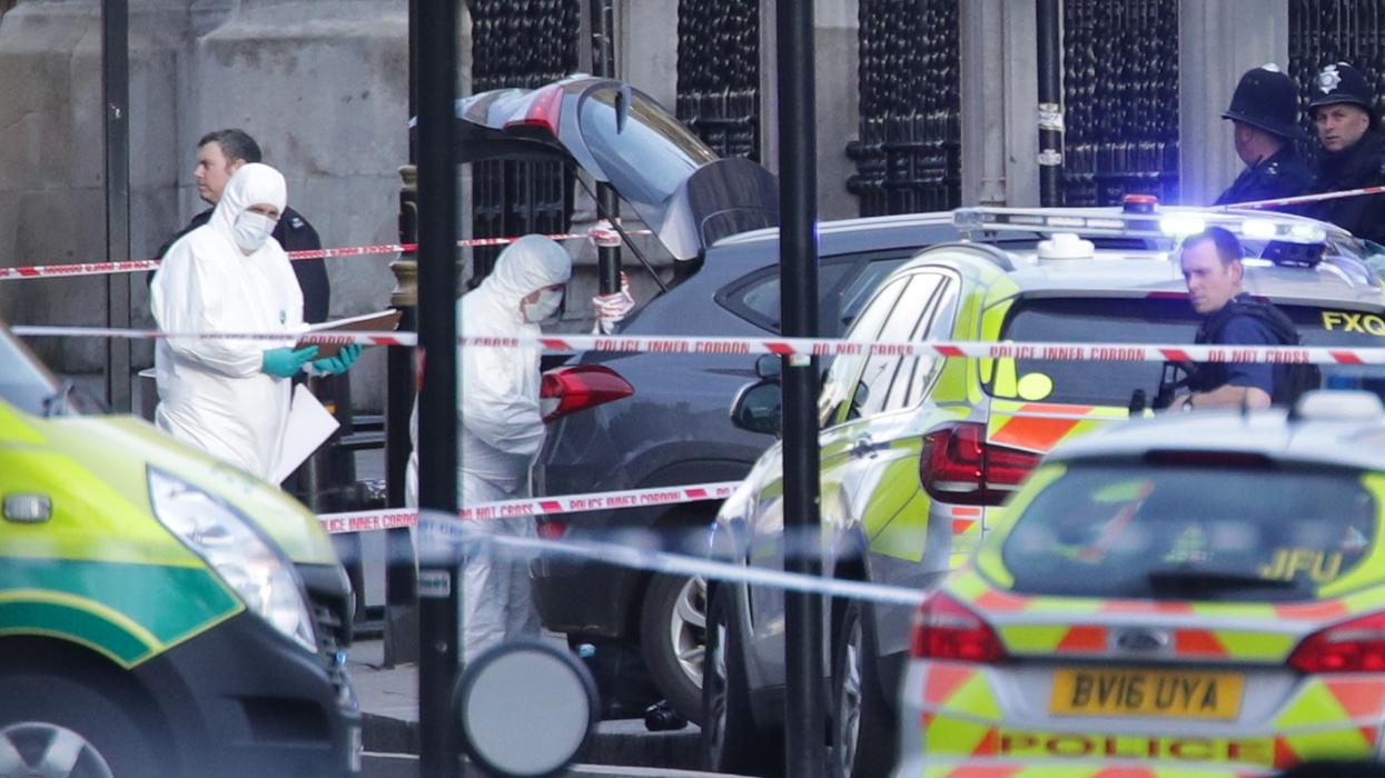 В результате теракта у здания парламента в Лондоне погибли 4 человека, не менее 40 получили ранения