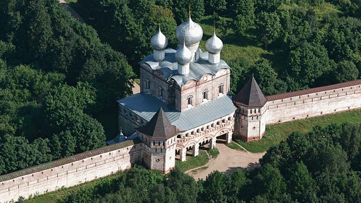 В паломничество на «длинные выходные»: «Топ-5» святынь за пределами «Золотого кольца России»
