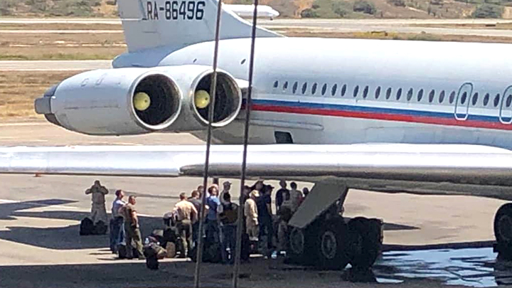 Всё пропало, шеф: В США узнали, для чего в Венесуэлу приехали наши военные