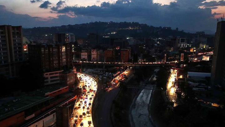 ЧП по сценарию США: Как Венесуэла живёт без электричества