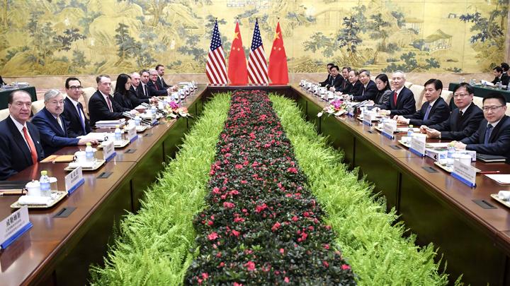 Китай начал проигрывать торговую войну США. Почему?