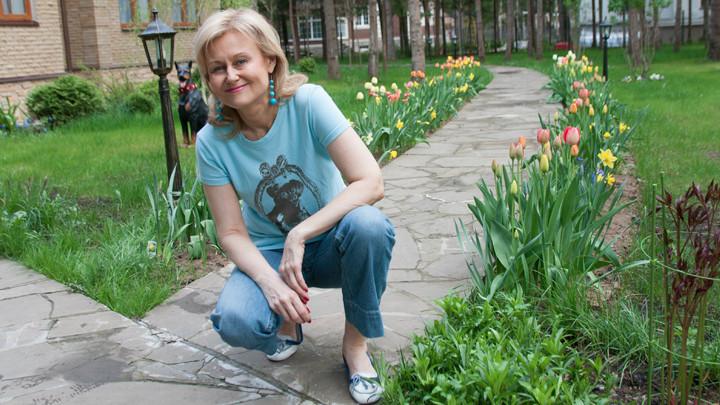 Дарья Донцова: Рак боится смелых, трусливых он съедает