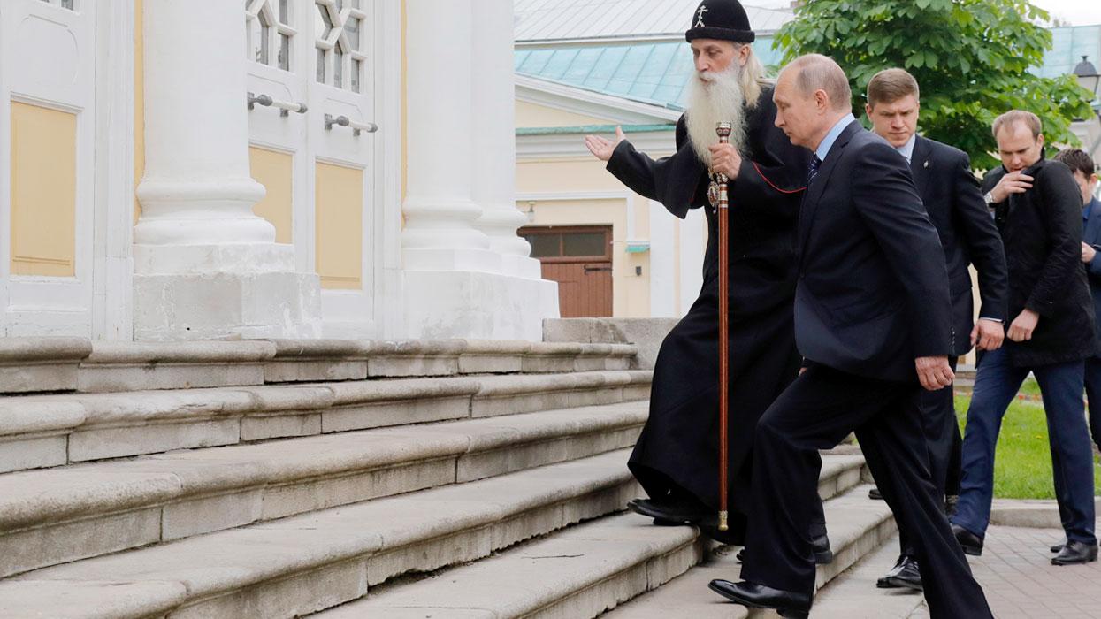 Президент РФ В.Путин посетил Рогожский духовный центр в Москве