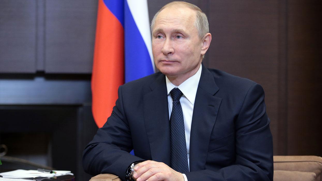 Президент России Владимир Путин во время встречи с премьер-министром Италии П. Джентилони