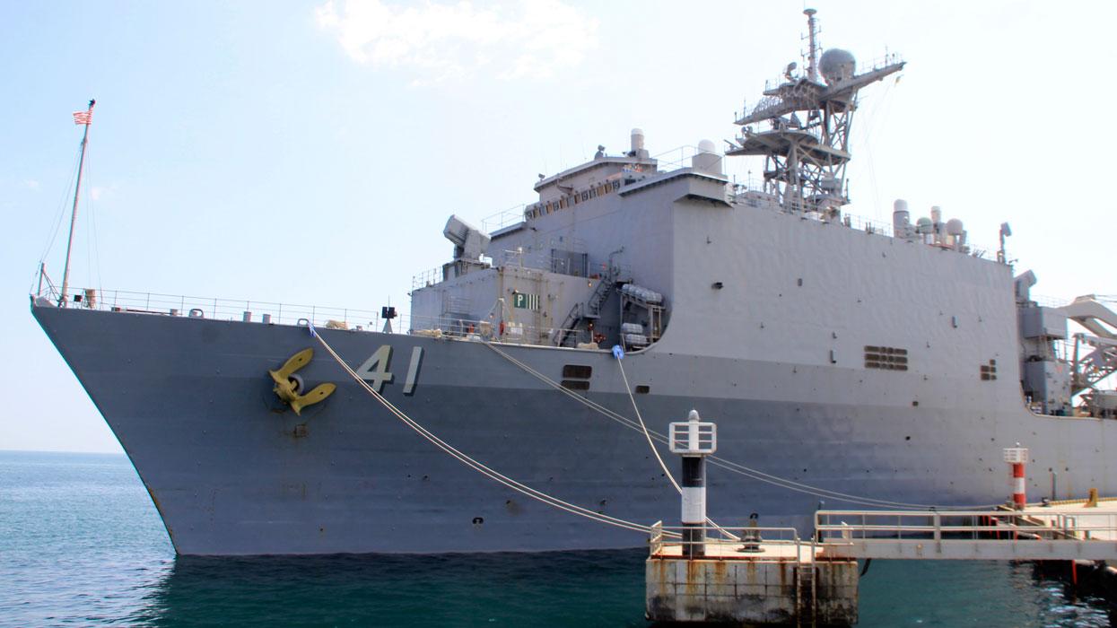 Большой десантный корабль ВМС США USS Whidbey Island (LSD-41)