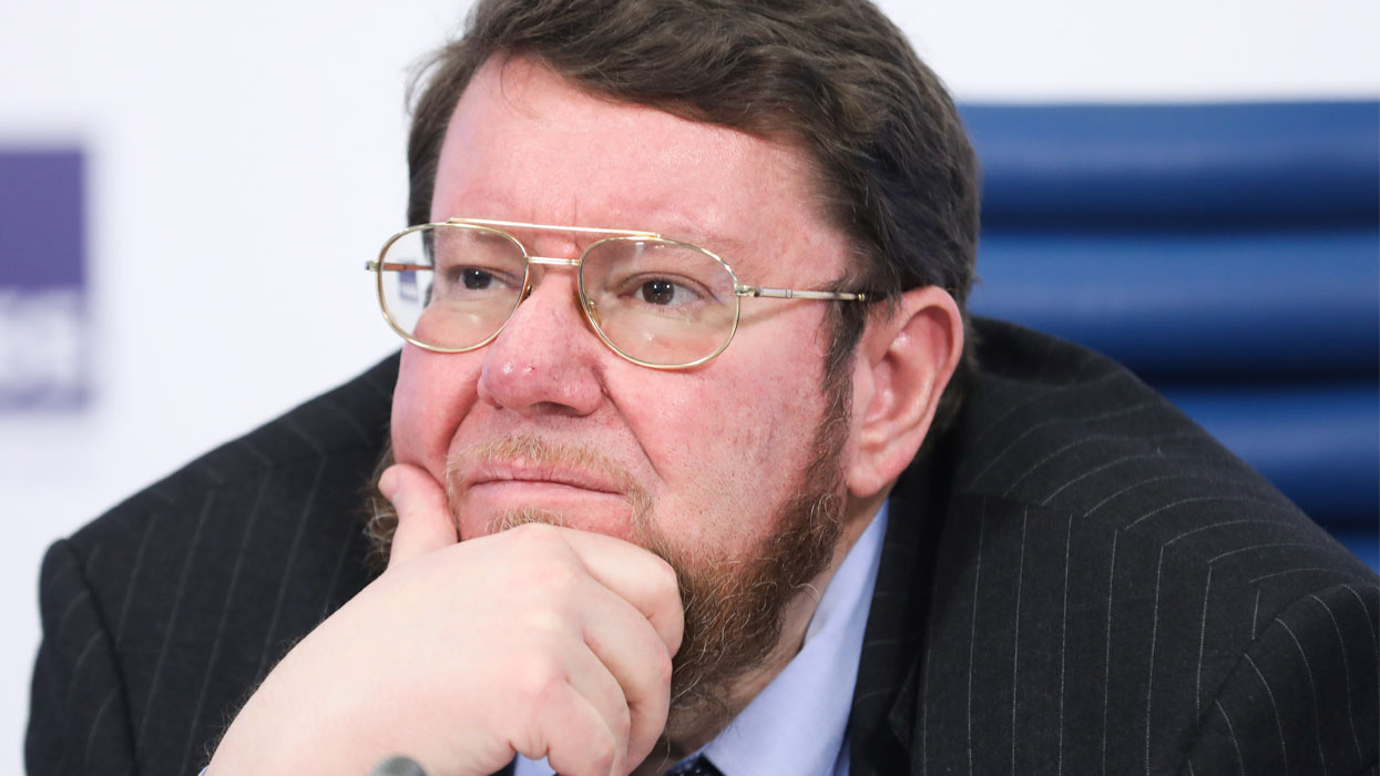 Е. Сатановский