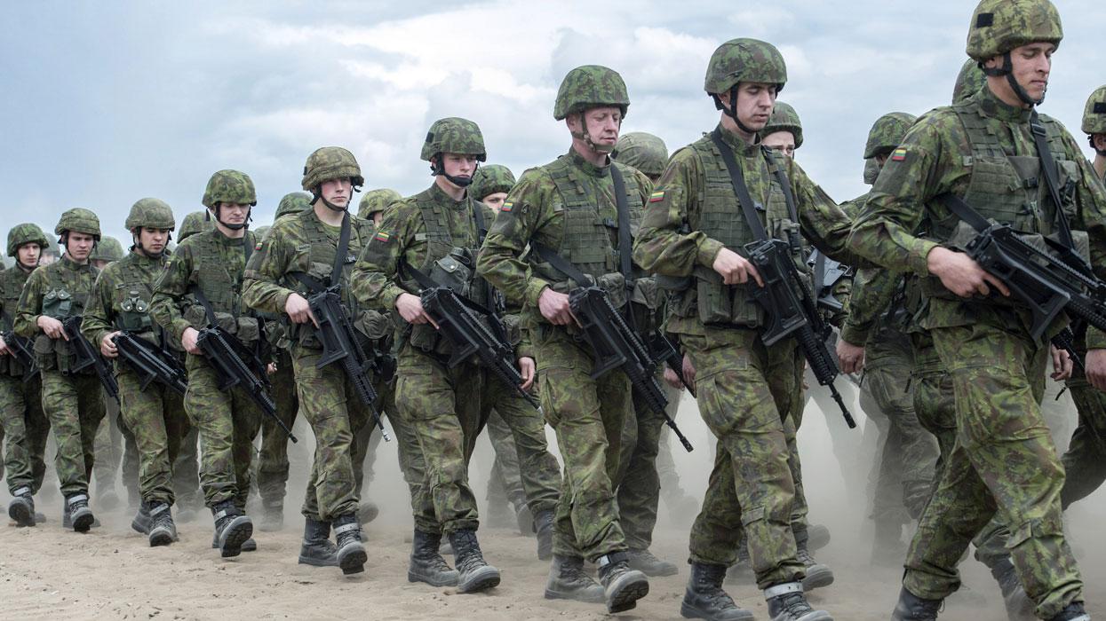 Военные учения НАТО Iron Wolf 2016 в Литве