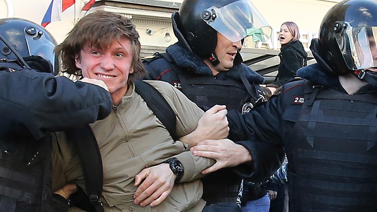 В ходе несанкционированной акции против коррупции в центре Москвы задержаны более 600 человек