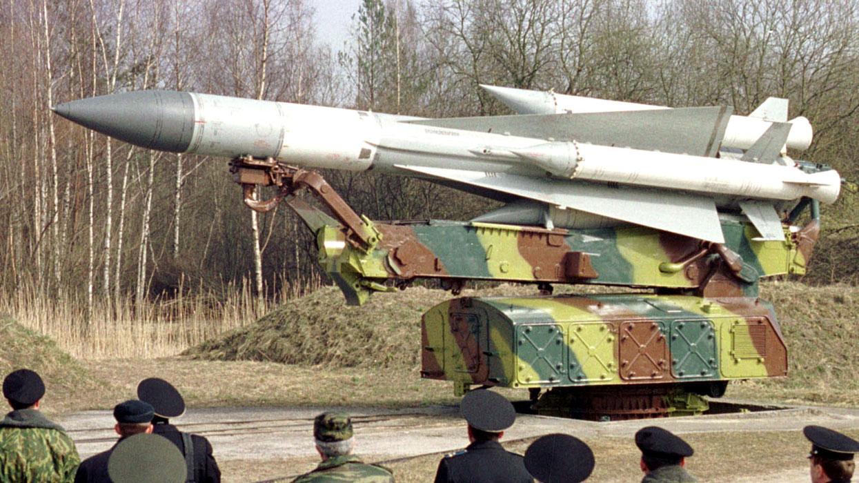 зенитно-ракетный комплекс С-200