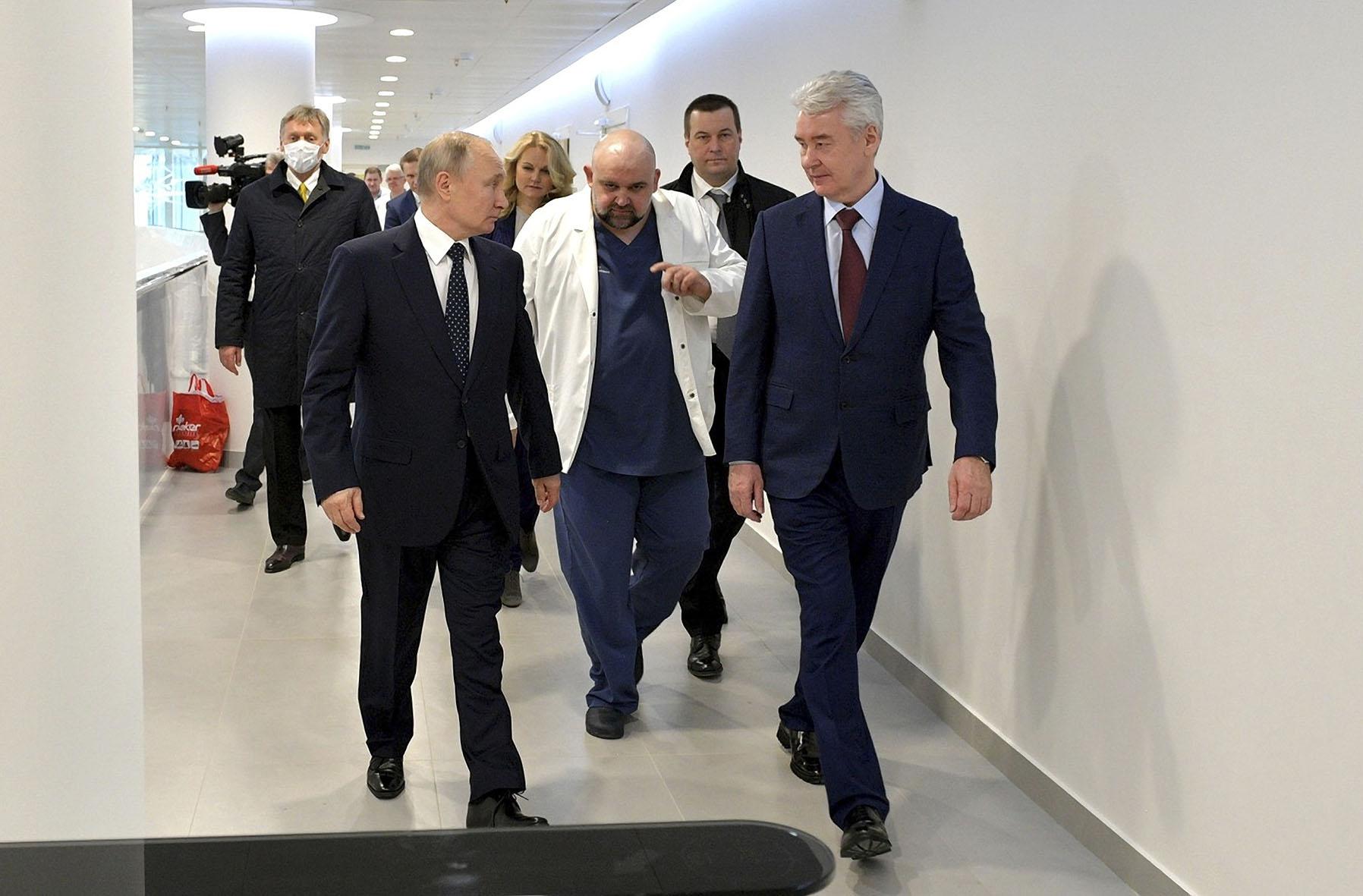 Русские готовились к войне, а надо всего лишь посидеть дома