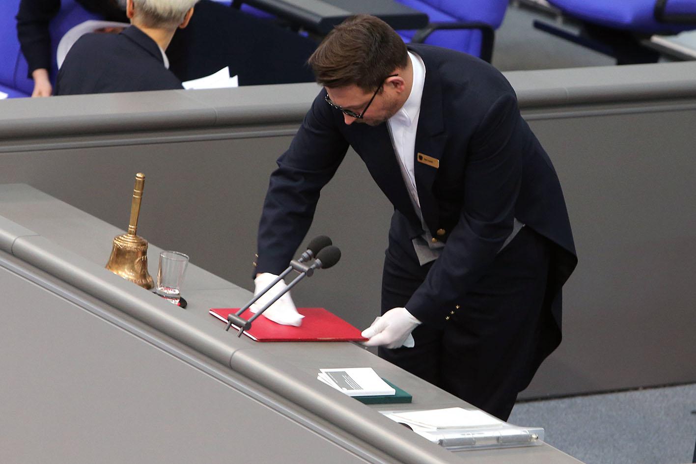 Джонсон – заболел, Меркель – на подозрении, а что с Путиным?