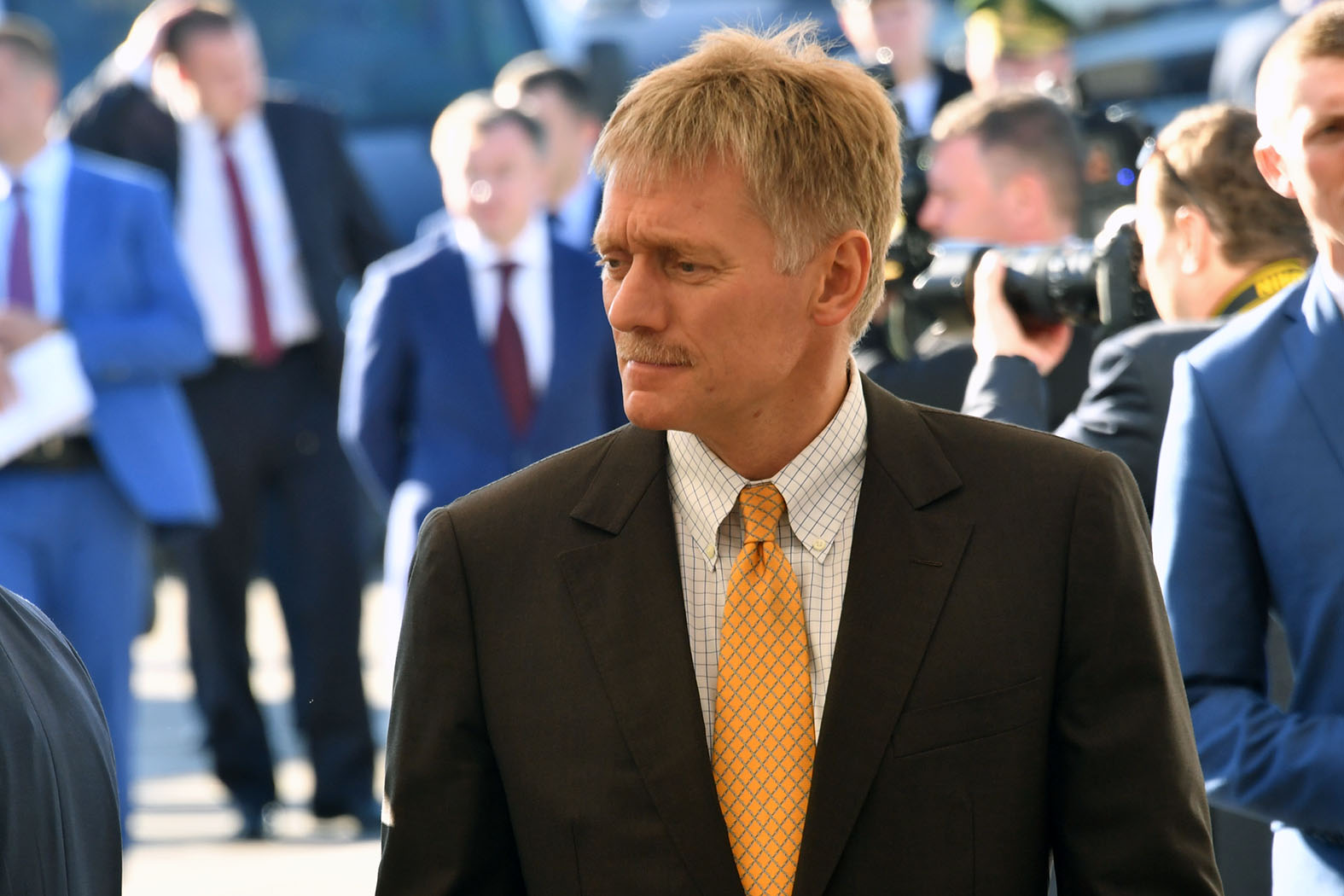 В шаге от президента: Где Песков подхватил коварную болезнь