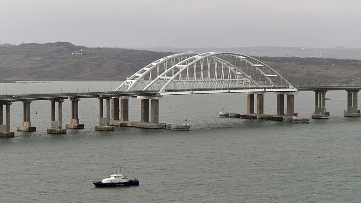 «Пора памятную доску для претензий открывать»: В России ответили Западу по Крымскому мосту