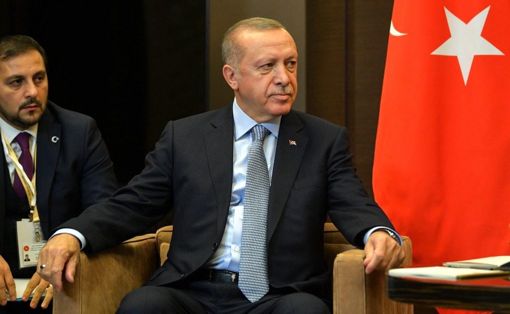 Дайджест СМИ: США ликвидировали лидера ИГ, Турция грозится возобновить операцию в Сирии