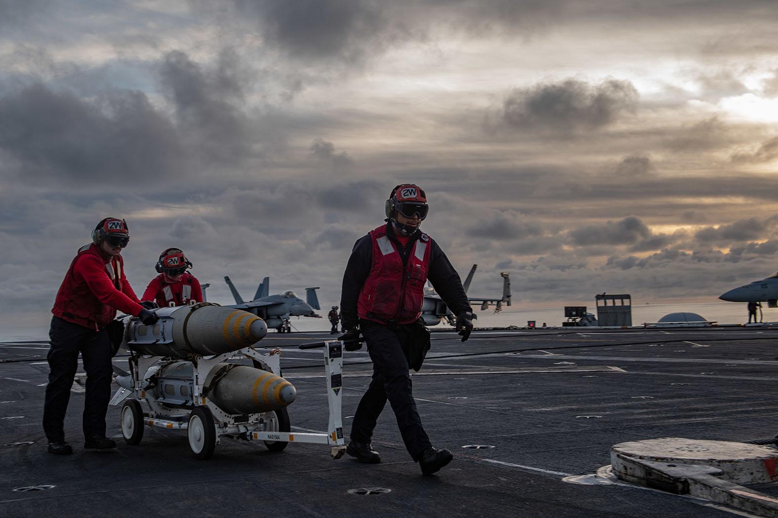 Плавучие инкубаторы смерти: США обрекают своих моряков, России приготовиться
