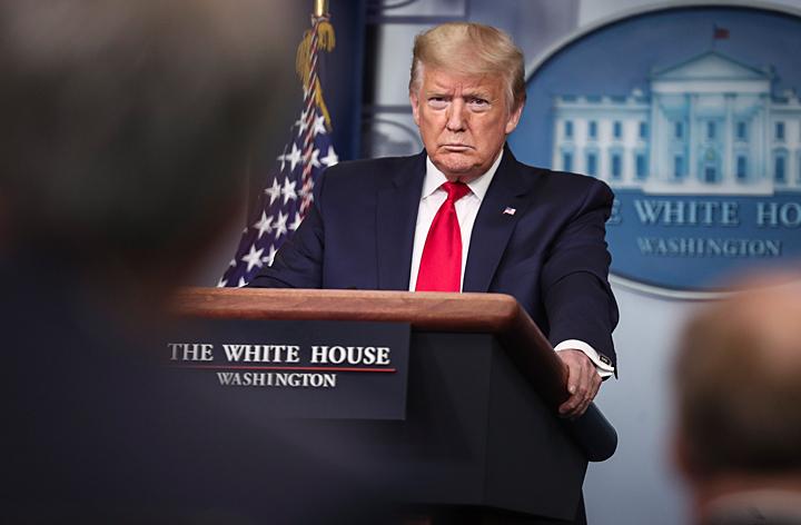 Трампа заваливают трупами. Разведданные о коронавирусе были скрыты