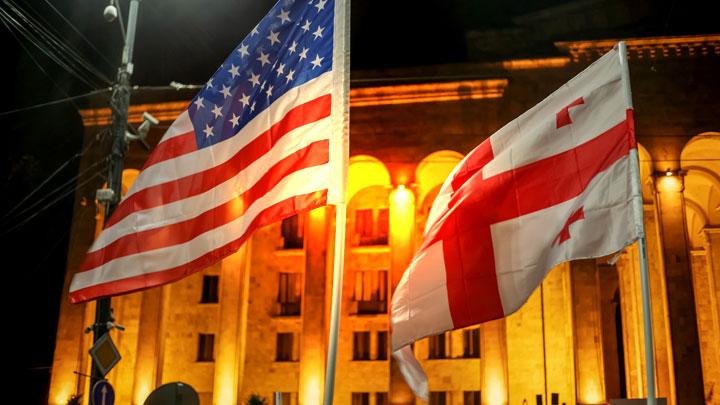 В парламенте Грузии победили... США