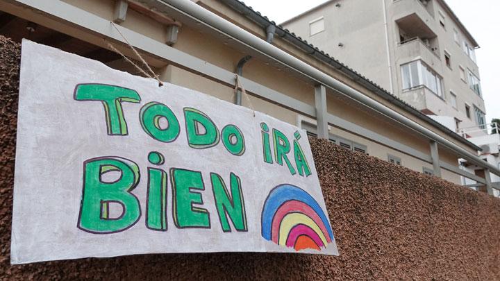 Коронавирус не приговор: Пожилые побеждают, итальянцы поют, испанцы аплодируют