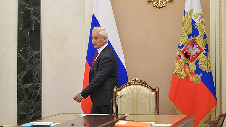 Наелись. Правительство Медведева уволили из-за школьных завтраков