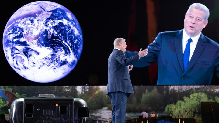 Мир сидит на американском вулкане, а глобальное потепление — заговор против России