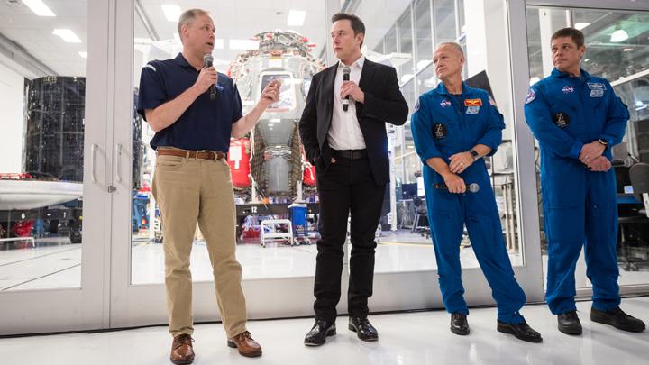 Дайджест СМИ: Встреча в Берлине по Ливии, «царь Путин», SpaceX испытала новый корабль