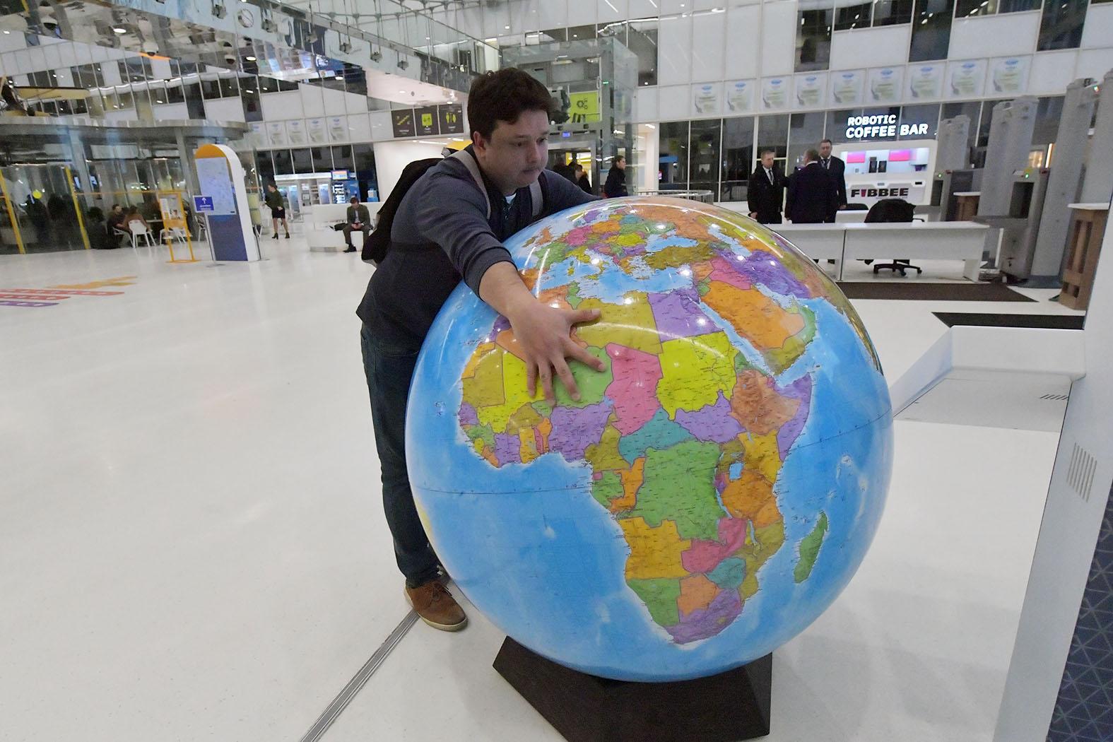 Приватизация, гаснущий свет и... Чубайс взялся снова спасать Россию