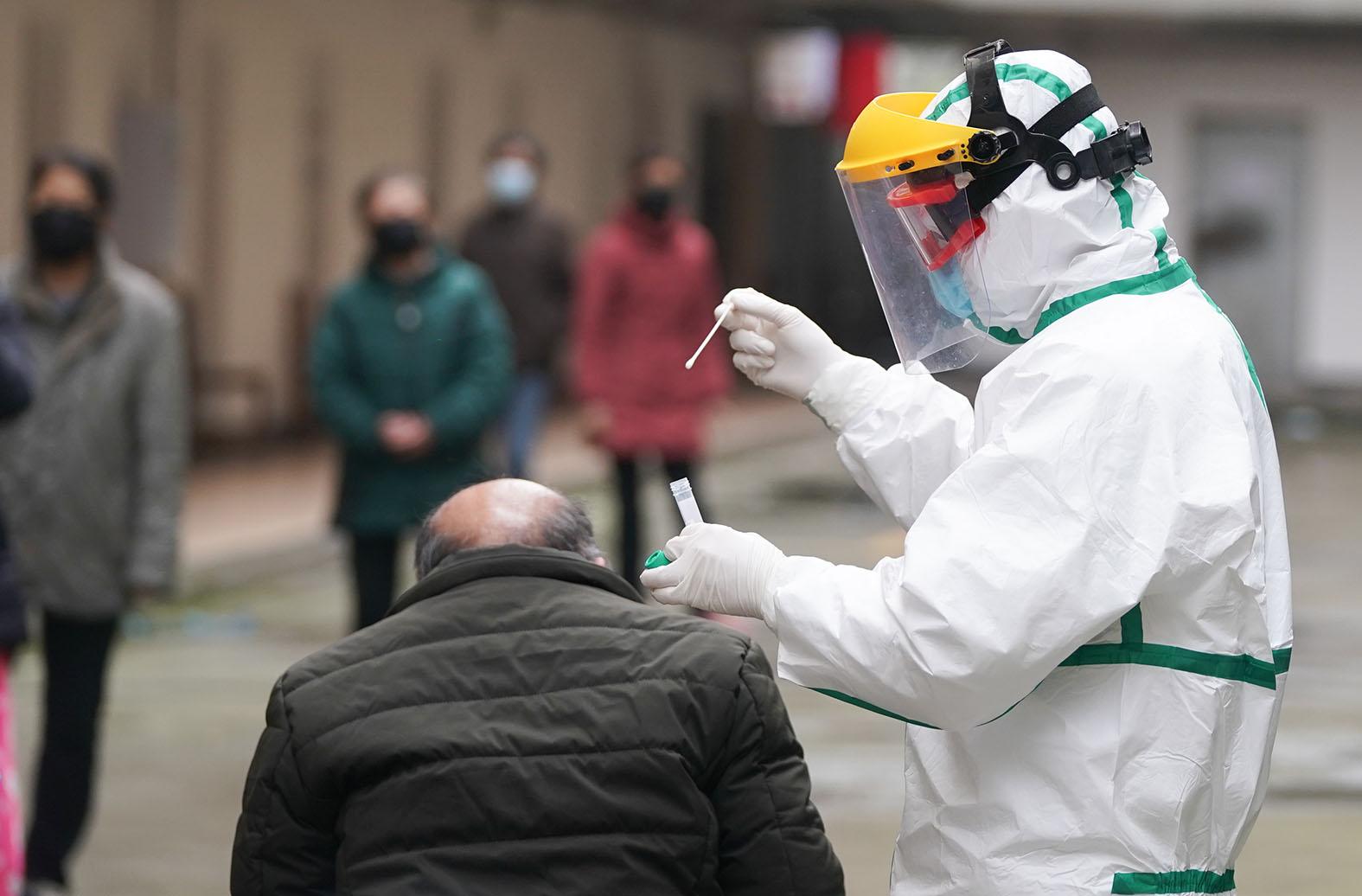 Откровения профессора-вирусолога: В России коронавирусом переболеет 500 тысяч человек