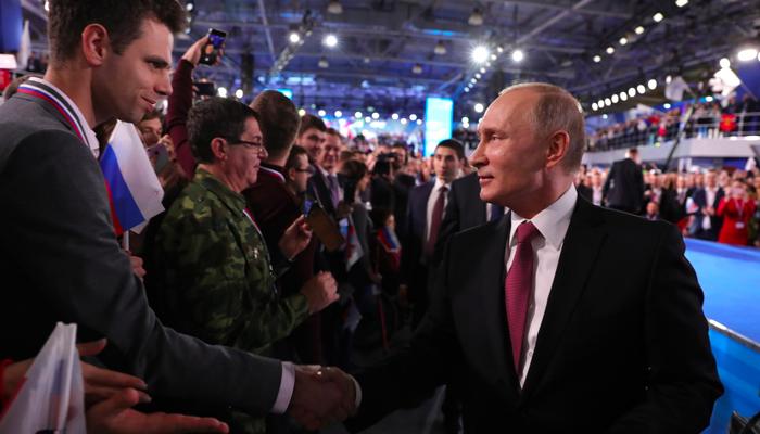 Запад сам толкает нас к «Русской мечте». Россия на перепутье