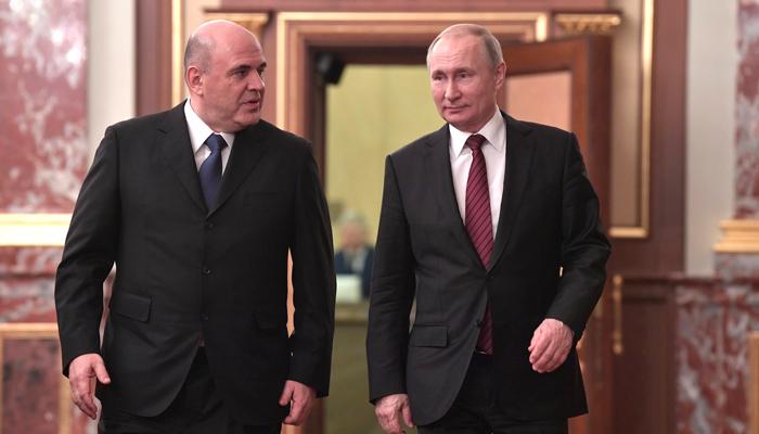 """""""Денег нет, но вы держитесь"""": Как Мишустин переиграл Медведева"""