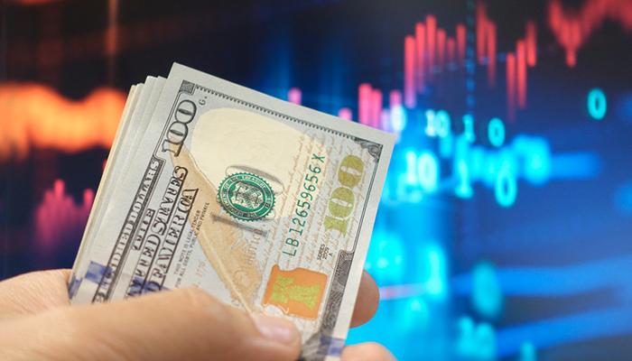 Может ли кредитор быть бедным? Пример России показывает, что может