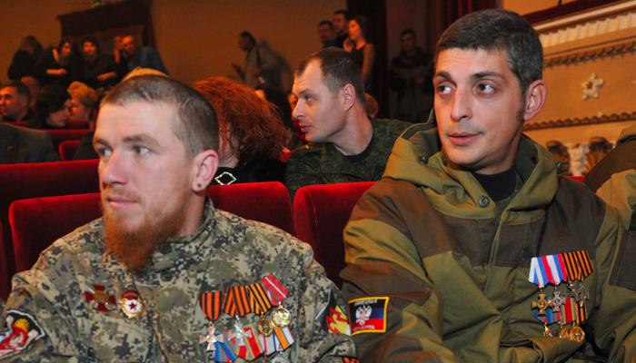 Они же юмористы: Кому в России весело от смертей в Донбассе