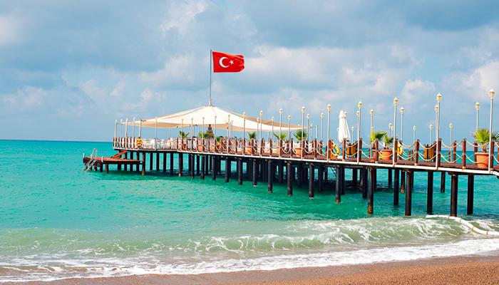 Жителям России посоветовали альтернативы отдыху в Турции. Есть ли они на самом деле?