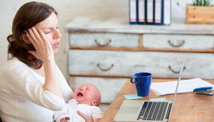 Когда материнский труд перестанет считаться безработным «отпуском»?
