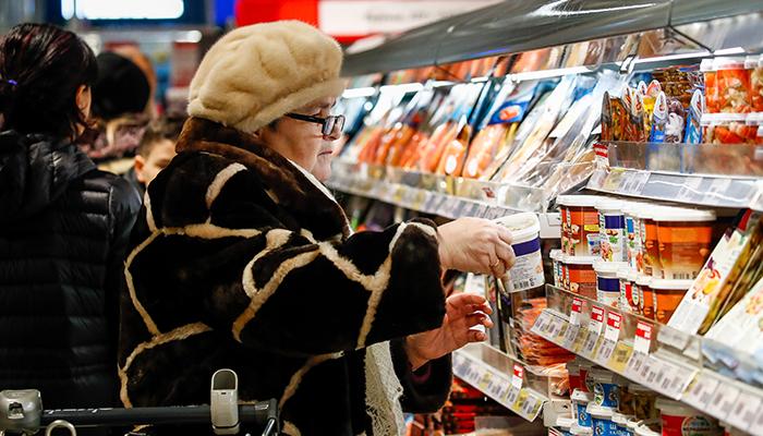 Новогодний стол обойдётся в 10 тысяч рублей: Главные уловки продавцов и как сэкономить на покупках