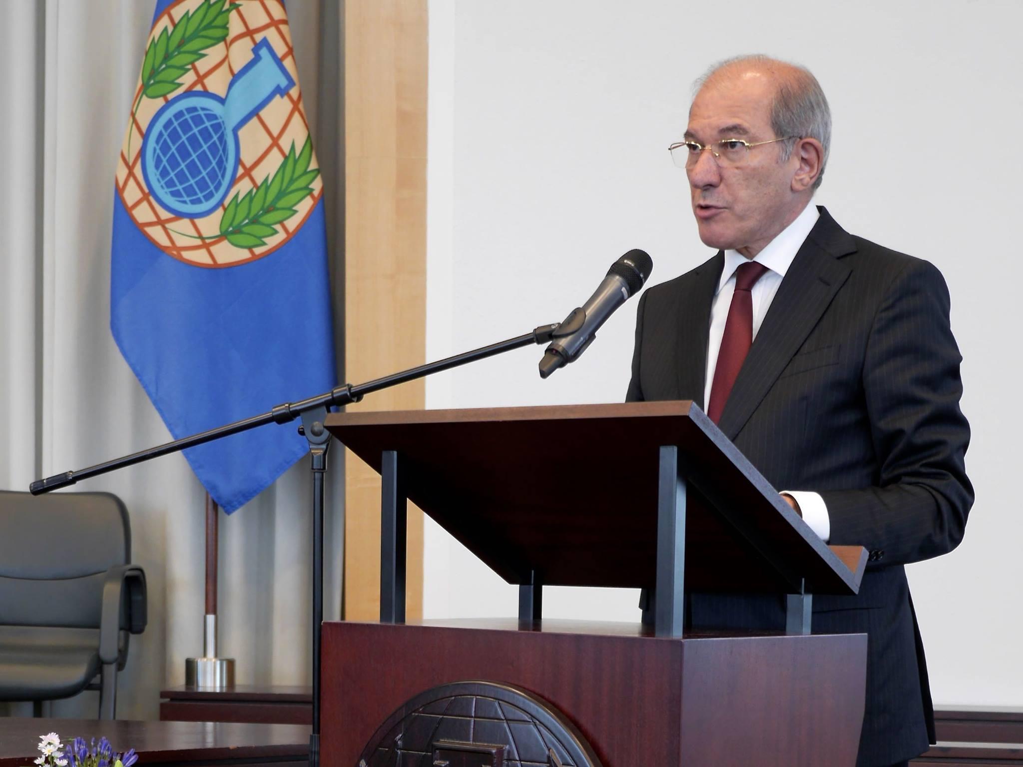 Ахмет Узюмджю