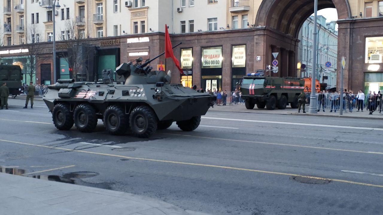 Тринадцать тыс. пехотинцев примут участие впараде Победы наКрасной площади